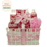 China Triple Moisturizing Shower Gift Sets Cherry Blossom Fragrance Creamy Texture for sale