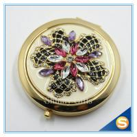 China Shinny Gifts Luxury Rhinestone Flower Design Metal Compact Mirror Small Makeup Mirror For Girls Gift on sale