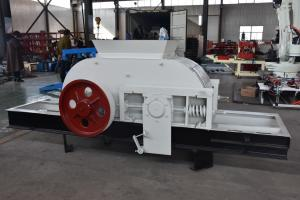 China Powerful Durable 150 M³/H Double Roll Crusher Machine on sale
