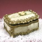 Wholesale beautiful silver jewelery box from china suppliers