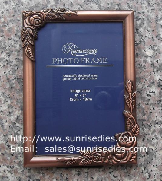 Metal rose picture frames