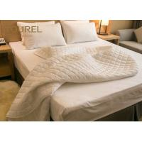 Wholesale Durable Anti Bed Bugs Hotel Mattress Protector King Size Hypoallergenic Waterproof from china suppliers