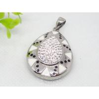 China Custom CZ Diamond Pendants for Necklaces with Crystals 1240105 on sale