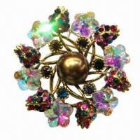 Wholesale Metal brooch with large pearl in middle from china suppliers