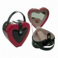 China Warm Heart-shaped Jewelry Boxes with Shiny PVC Leather Texture, Available in Red and Black on sale