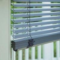Electric/Motorized Venetian Blind, Made of Aluminum and Wood