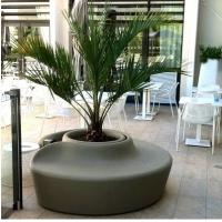 Quality Shopping Mall Flower Pot Decoration Seat Pedestrian Walkway For Park And Leisure for sale