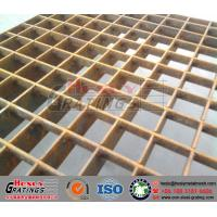 HDG pressure locked grating