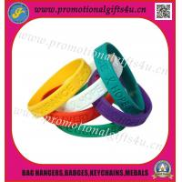 Debossed silicone wristband/silicone bracelet for sale