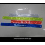 China hot selling high quality colorful customized logo PVC reflective slap wristband/slap band for sale