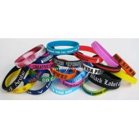 2014 promotional embossed and debossed custom silicone bracelet/wristband in low price for sale