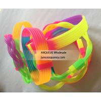 Cheapest Rainbow silicone bracelets, rainbow color rubber wristbands for sale