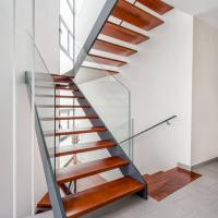 Wholesale Low Cost Double Stringer Staircase For House With Professional Design from china suppliers