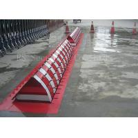 Quality Automatic Heavy Duty Hydraulic Rising Kerb Vehicle Road Blocker Red / Yellow / for sale