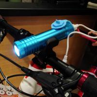 China 2017 New High Quality Rechargeable Power Bank Bike flashlight torch on sale