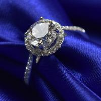 China 1.0 Ct Moissanite Jewelry White Gold Ring With Elegant Gift Box RD166 on sale