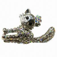 Wholesale Young Cat-shaped Metal Brooch with Shining Diamonds from china suppliers