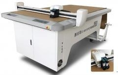 China Smitte flatbed inkjet and cutting plotter